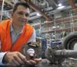 Jere työskentelee ABB:llä Motors and Generators – yksikössä. Tuotekehitysasiantuntijana hänen tehtävänsä on löytää ratkaisuja sähkömoottoreihin liittyviin ongelmiin.