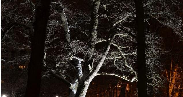 Valoa kansalle pimeisiin iltoihin