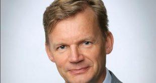 Vaasan yliopiston rehtorina jatkaa yliopiston hallituksen päätöksen mukaisesti Jari Kuusisto 30. kesäkuuta 2017 asti. Hän on toiminut määräaikaisena rehtorina kevään ajan.