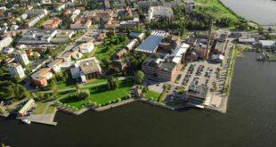 Vaasan yliopistossa toimintansa aloittava LUMA-keskus Pohjanmaa on osa valtakunnallista, koko Suomen kattavaa LUMA-keskusten verkostoa, johon kuuluu yhteensä kolmetoista keskusta.